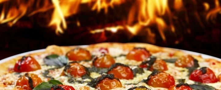 Pizza, pane, focaccia, piadina, spaghetti, formaggi